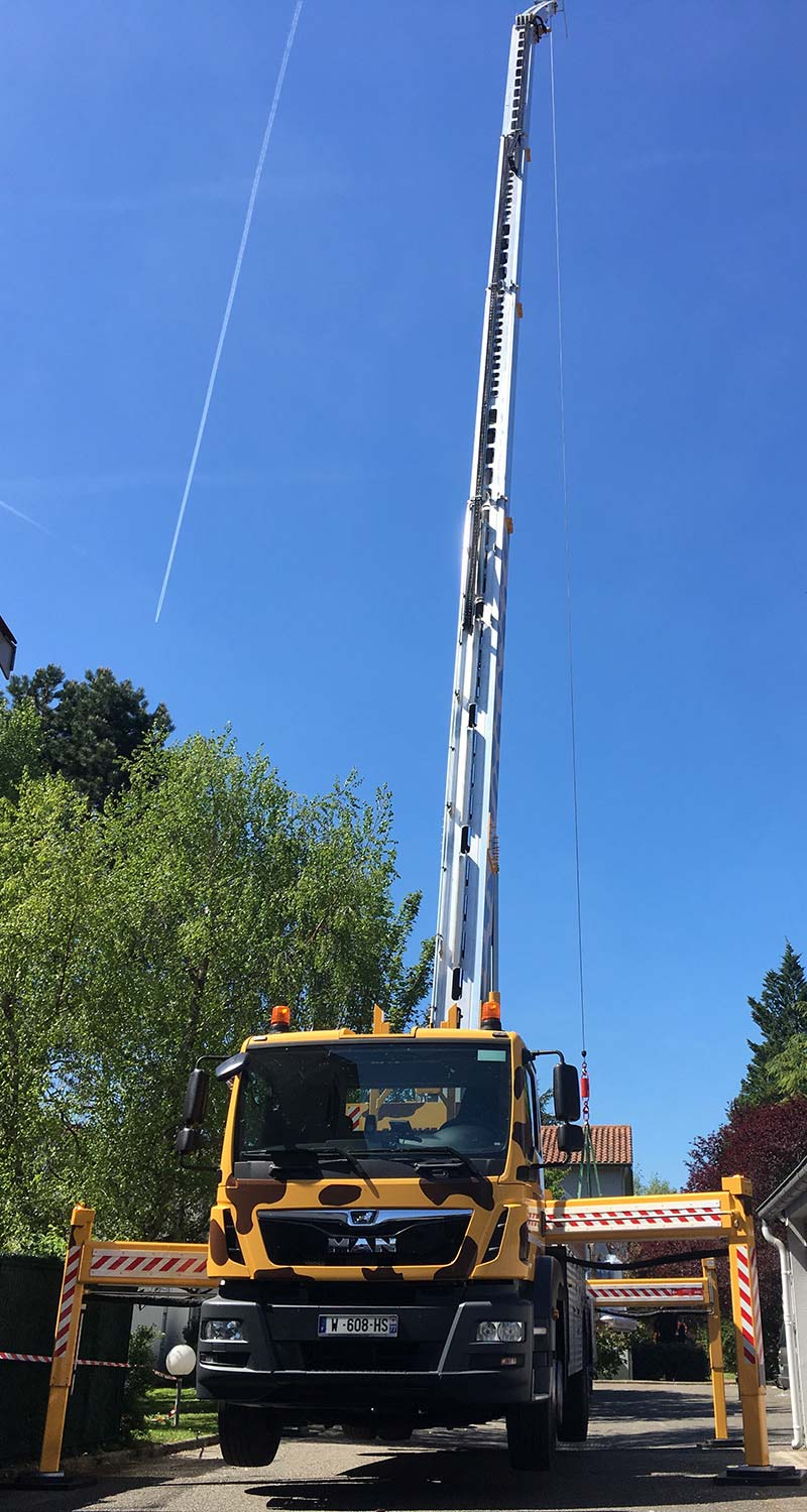 Location de nacelle à Lyon - Photo du Camion Girafe 16