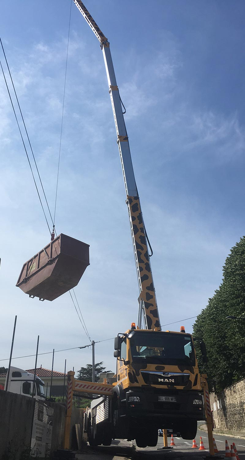 Location de nacelle à Lyon - Photo du Camion Girafe 29